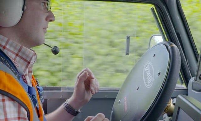 Researchers test out reactions to driverless cars