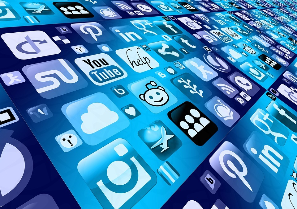 Dear E Me: Which social media channels should I use to optimise my B2B sales?